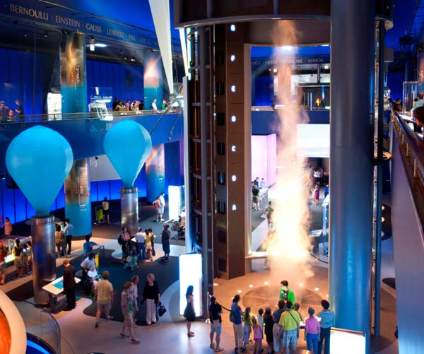 Museum of Science and Industry, Chicago—Science Storms